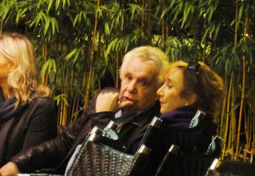 Sardou debriefing avec Marie-Anne Chazel represailles au restaurant